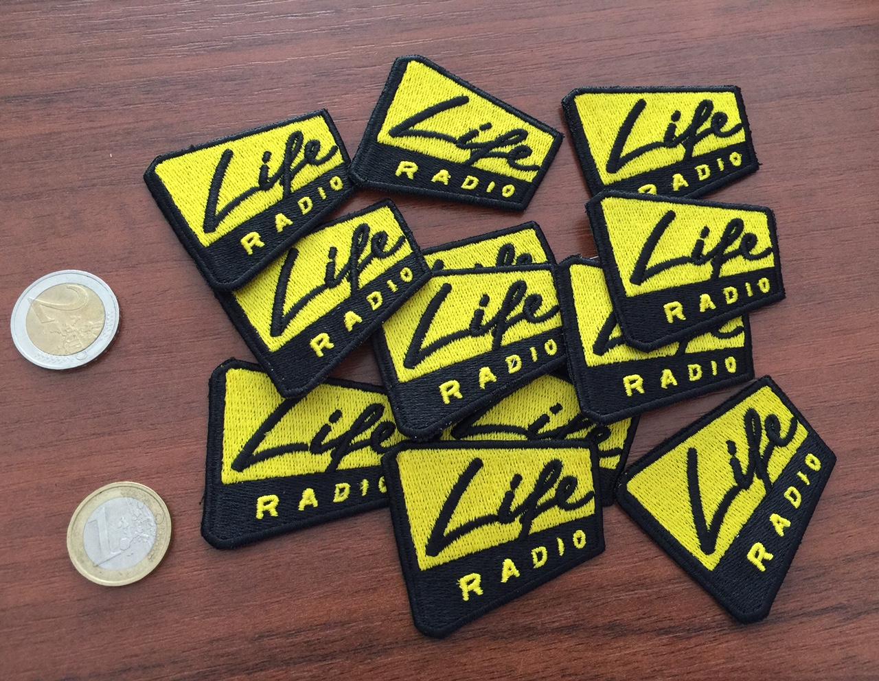 life_radio_aufnaeher_klein