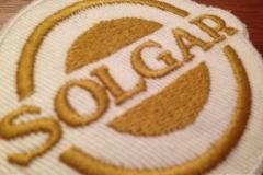 gold-matt-stickerei