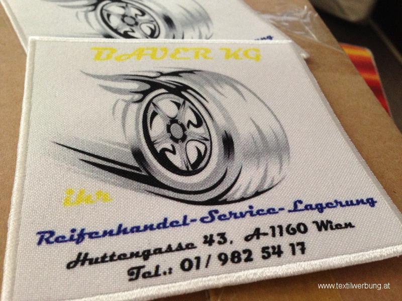 druck-aufnaeher-gedruckteslogo-mit-gesticktem-rand