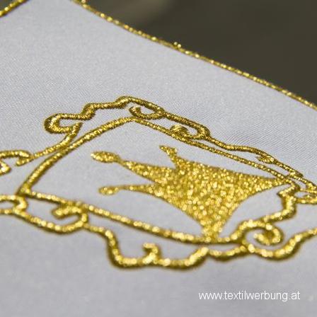 goldene-stickerei-goldenes-garn
