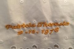 goldene-stickerei